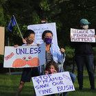 activists who had assembled